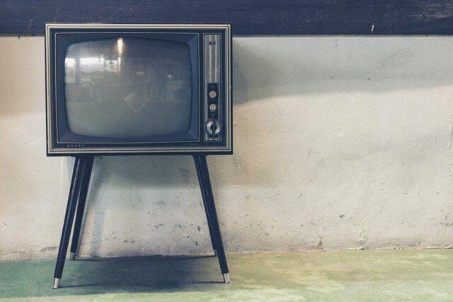 Jak wybrać telewizor i głośniki do kina domowego?
